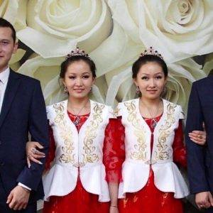Wonderful wedding twin sisters become wives of twin brothers. Amazing story!